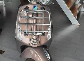 Vespa Primavera Touring 50cc (45km/u)