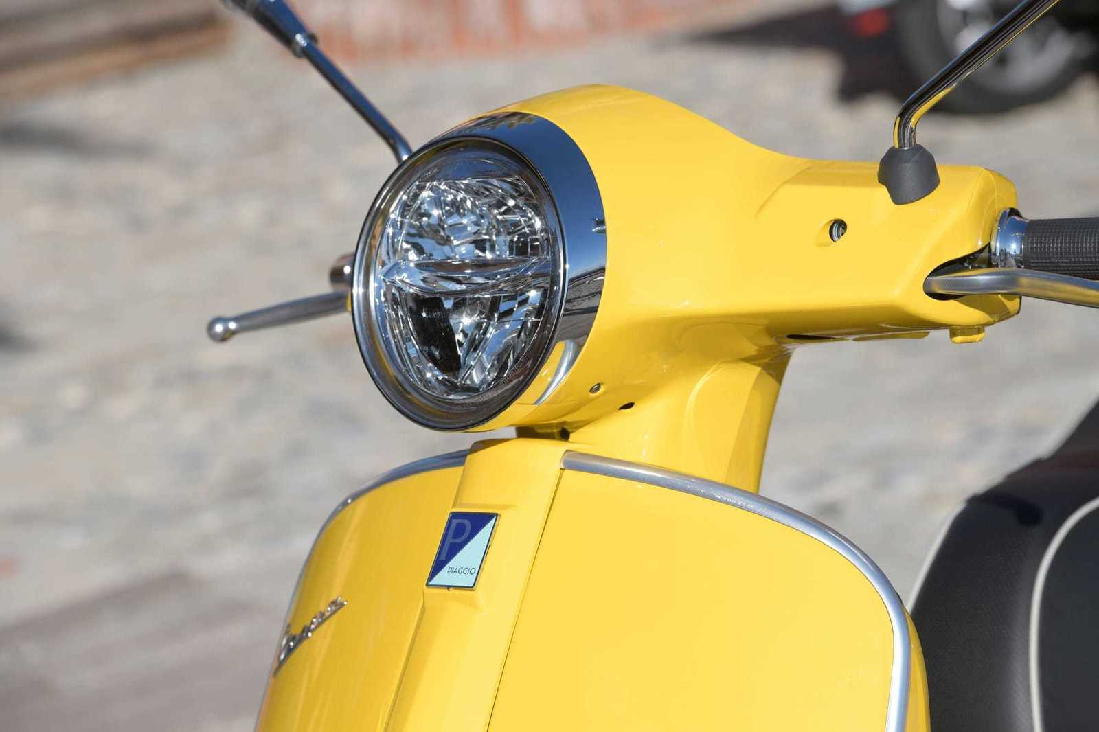 Xclusive Bike - Torhout - Vespa GTS SUPER 125/300 CC